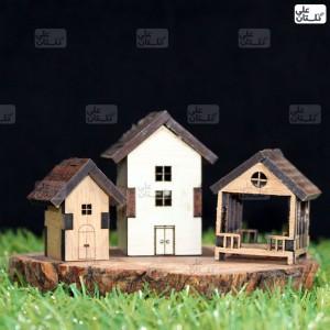 کلبه چوبی ساده سایز: 2.5 در 3.5 در 3 سانتی متر و کلبه چوبی بزرگ سایز: 3.5 در 4.5 در 5 سانتی متر آلاچیق سایز: 3 در 3.5 در 3 سانتی متر